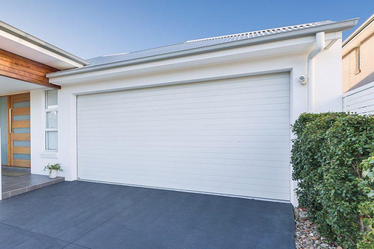 B&D Panelift Garage Door