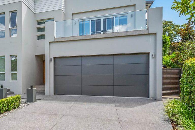 Delta Garage Door - Aluminium